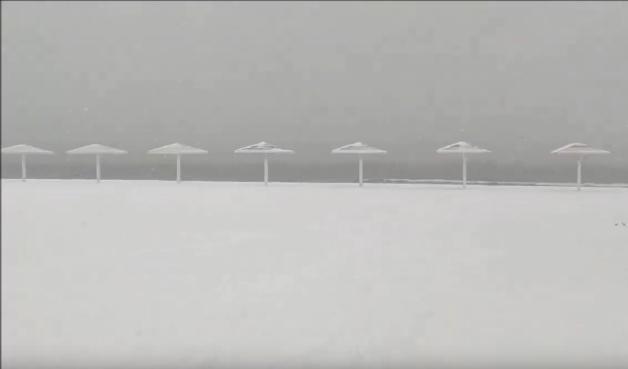 Межводное пляж зимой