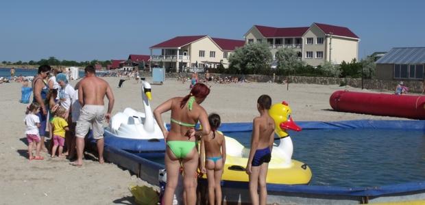Пляж-Межводное-Крым